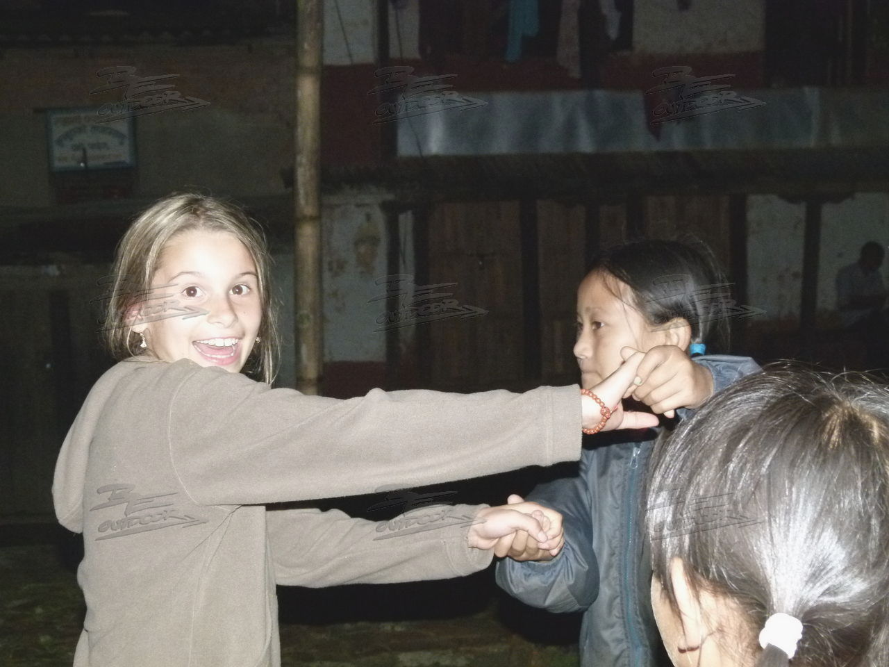 Be-outdoor.de - Tagebuch einer Tour durch Nepal - Tag 5: Ankunft in Chauki Bangan