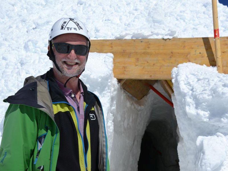 Natureispalast in Tirol in Hintertux - Roman Erler, der Entdecker der Höhle