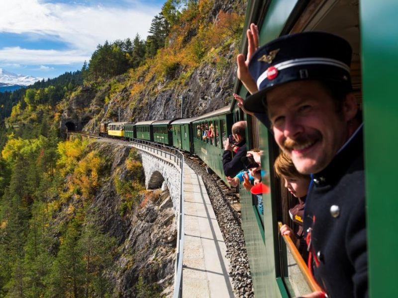 Cla Ferrovia - Unterwegs mit der Rhätischen Bahn