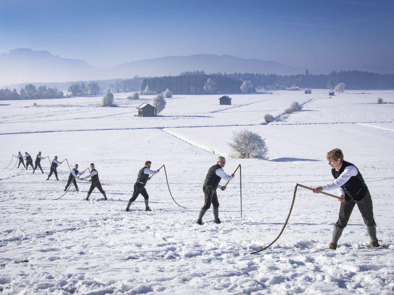 Photo of Aperschnalzen – Brauchtum im Berchtesgadener Land