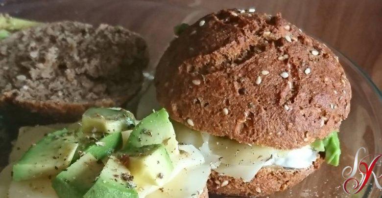 Photo of Diät-Bäckerbrötchen selbst gemacht, mit den Low-Carb-Brötchen von Sandy RedPearl