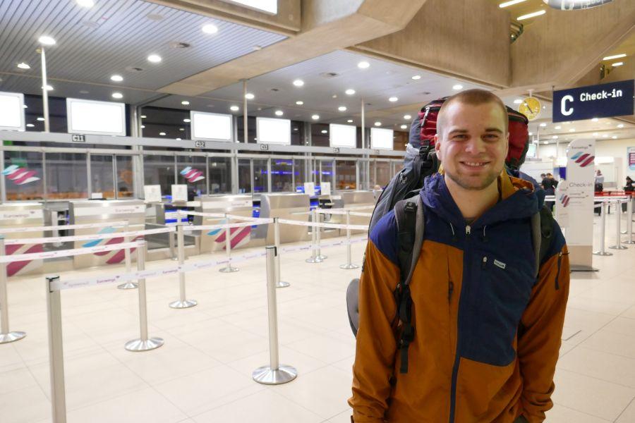 Sieben Monate auf Tour durch Ost- und Zentralasien - Flughafen Köln