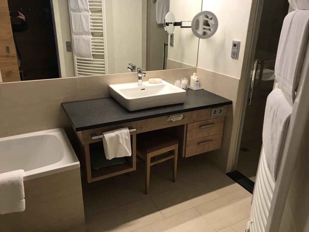 Kinderhotel Buchau Badezimmer Achensee Suite