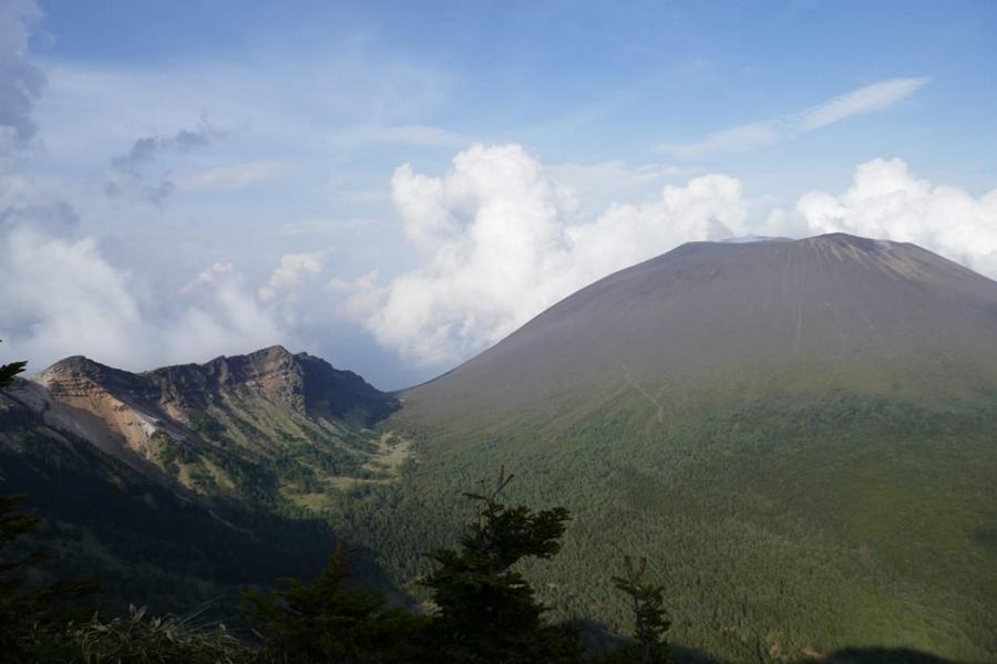 Reisetagebuch Elena und Mateo - Vulkan Assamayama