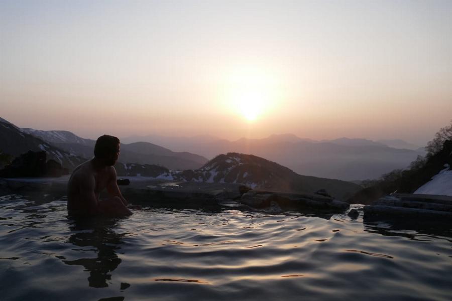 Reisetagebuch Elena und Mateo - Mount Shiroumadake - die schönsten Onsen Japans