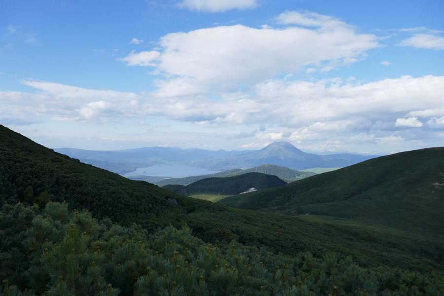 Reisetagebuch Elena und Mateo - Meakan-dake - Blick über die Vulkane auf den Akan-See