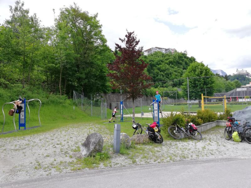 Radtour Pfingsten 2018 - Tag 1 - Pause bei Werfen auf dem Fitnessparkour