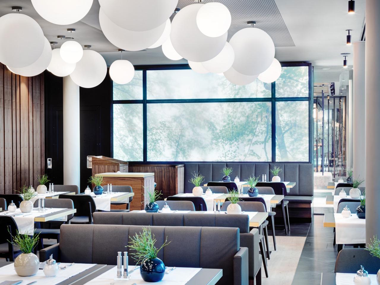 Restaurant mit Ausblick - STAGE 12 in Innsbruck