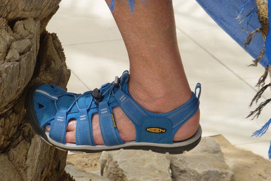 Zwei Keenies auf Reisen - CNX Sandale auf Tour - Folge Vier - Spaziergang durch die Hotelanlage
