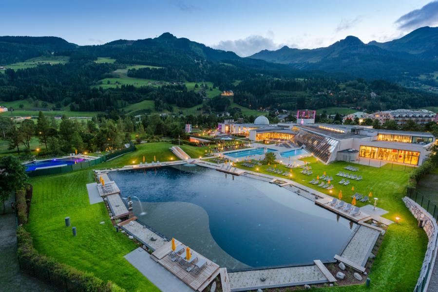 """(c) Alpentherme -""""Einzigartige Thermalwasser Badeseen in der Alpentherme Gastein"""""""