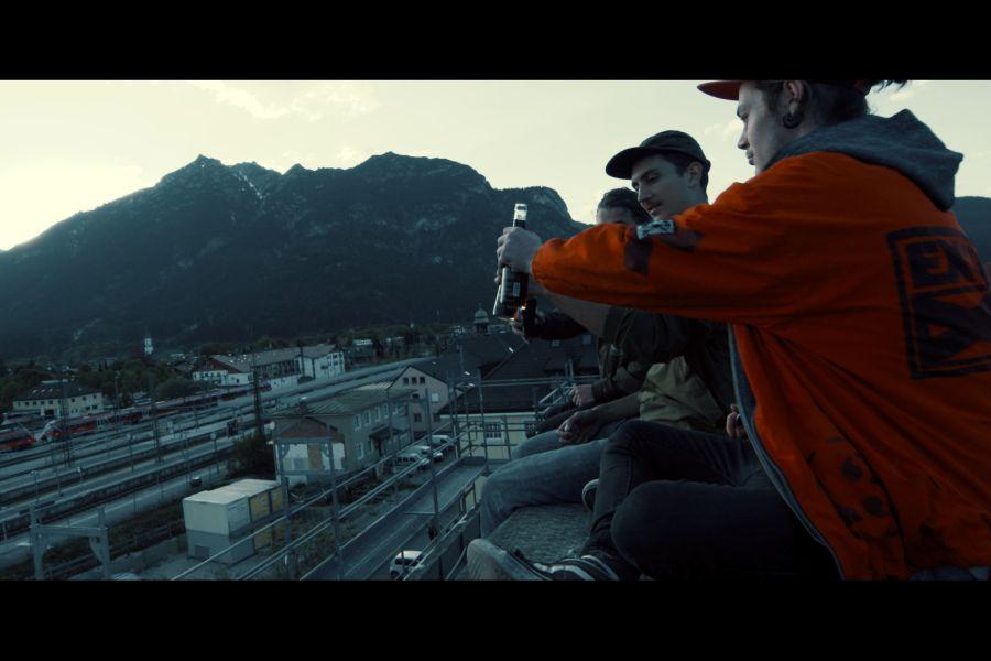 moun 10 - Die neue Jugendherberge in Garmisch-Partenkirchen - Bauphase IV - Das Dach wird zum BMX-Parkour