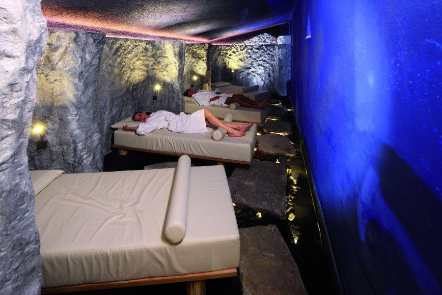 Energie Grotte mit (c) Tirler Dolomites Living Hotel