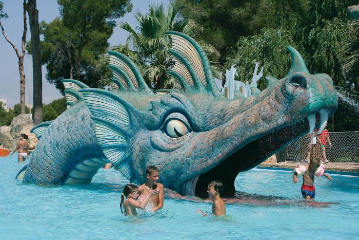 Aqualand_S'Arenal_drac (c) No frills excursions_Wikimedia
