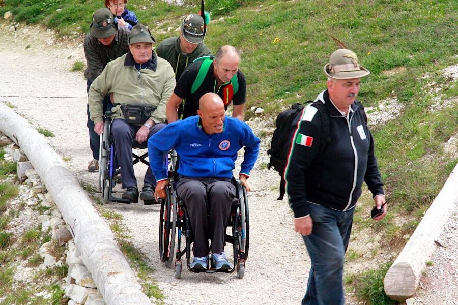 Breite, befestigte Wege, ideal für Rollstuhlfahrer © CORTINA Marketing