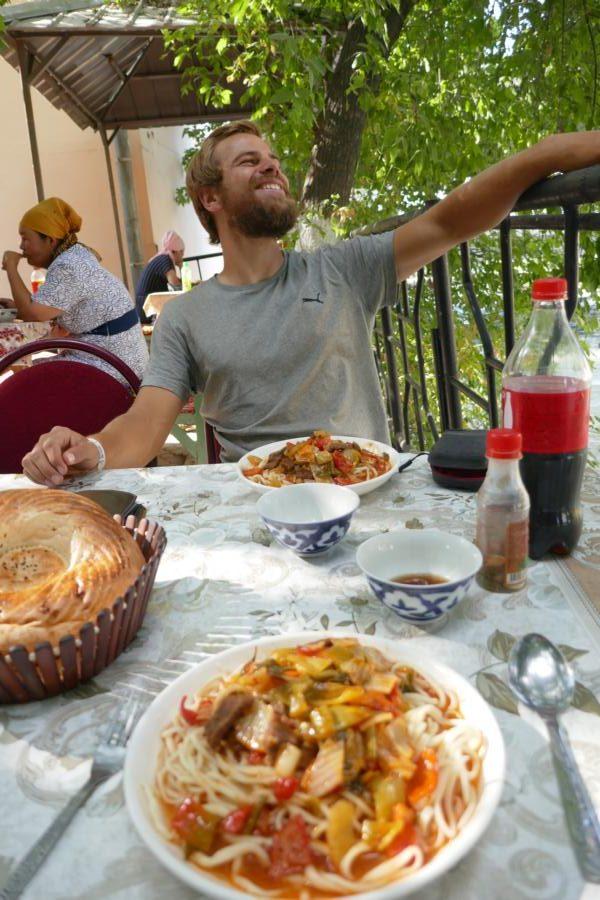 Reisetagebuch Elena und Mateo - ein leckeres Lagman in Osh