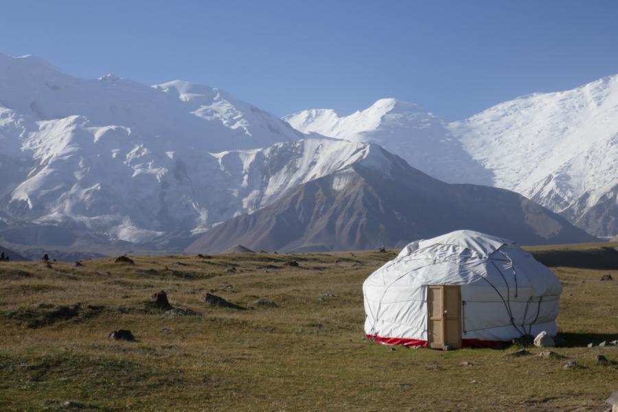 Reisetagebuch Elena und Mateo - Peak Lenin Basecamp, traditionelle Nomaden-Yurte