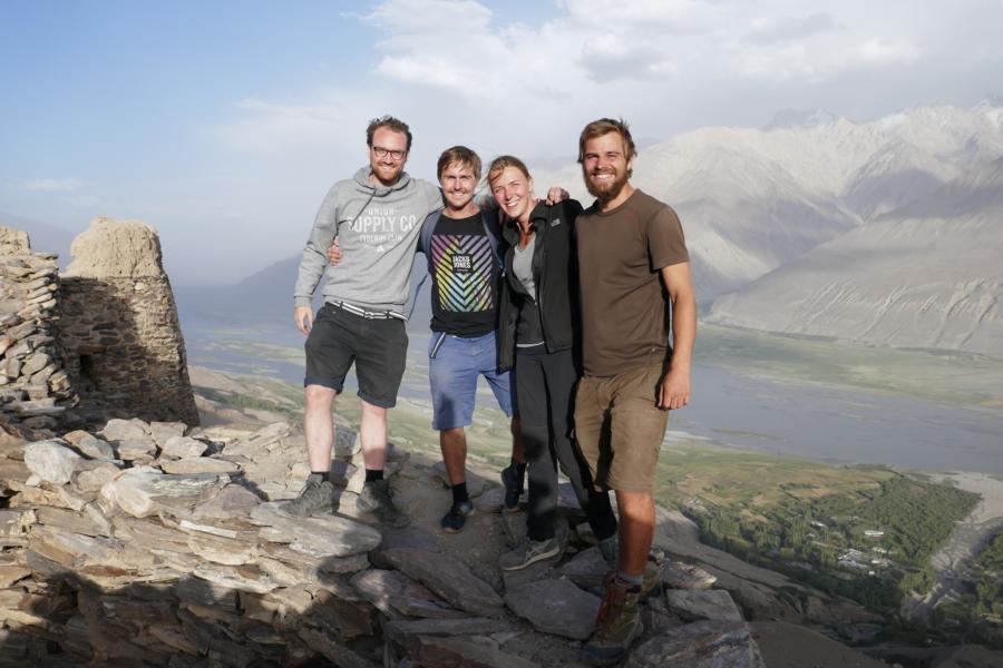 Reisetagebuch Elena und Mateo - mit Markus und Paul auf der Burgruine Yamachun