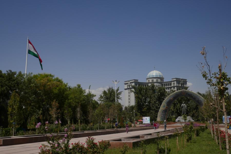 Reisetagebuch Elena und Mateo - das protzige Duschanbe steht nicht im Vergleich zum Rest von Tadschikistan