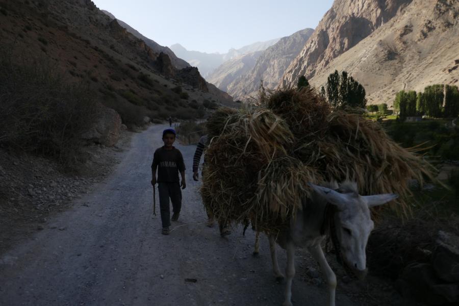 Reisetagebuch Elena und Mateo - das einfache Landleben in Tadschikistan