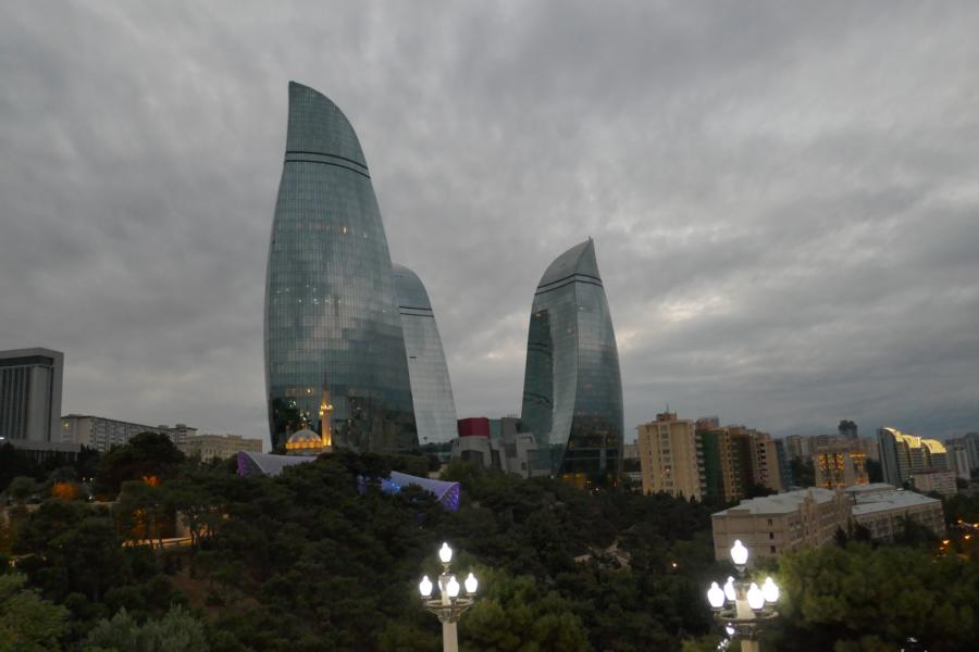 Reisetagebuch Elena und Mateo - Baku Fire Towers