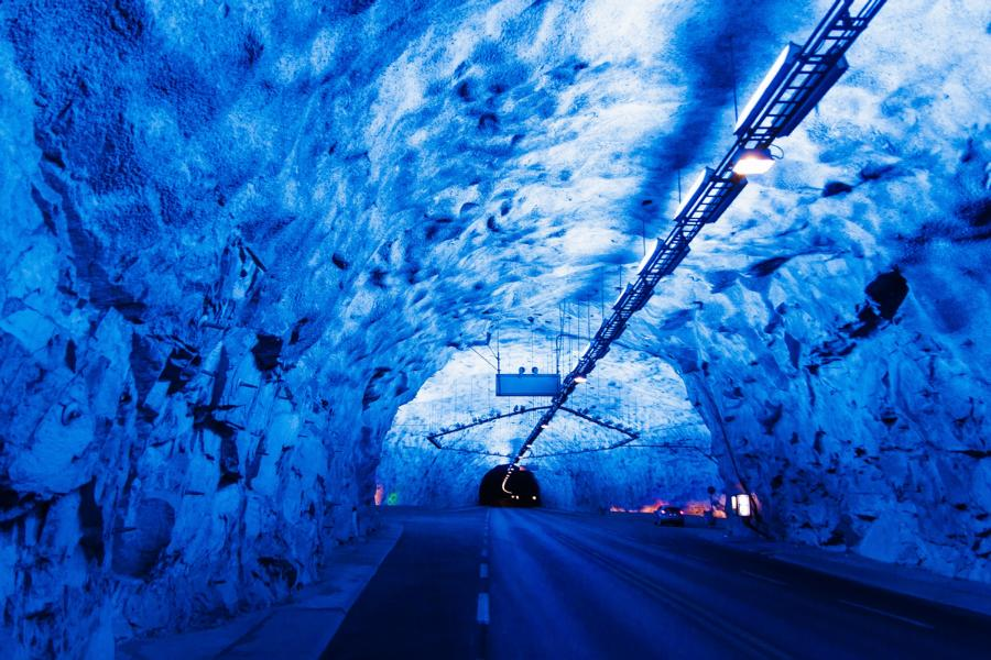 Tunnel©Marcin AdobeStock