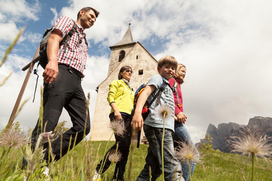 Wandern in allen Schwierigkeitsstufen (c)Tourismusverein Ritten Foto Tiberio Sorvillo