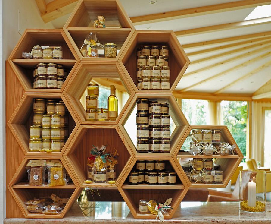 Honig aus eigener Herstellung(c)hotel-rinner.it