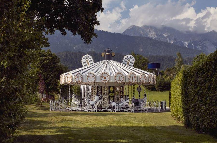 (c) Swarovski Kristallwelten Carousel Jaime Hayon