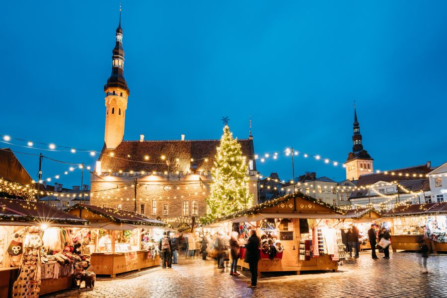 Weihnachts_Special_Tallinn ©Shutterstock_Grisha Bruev
