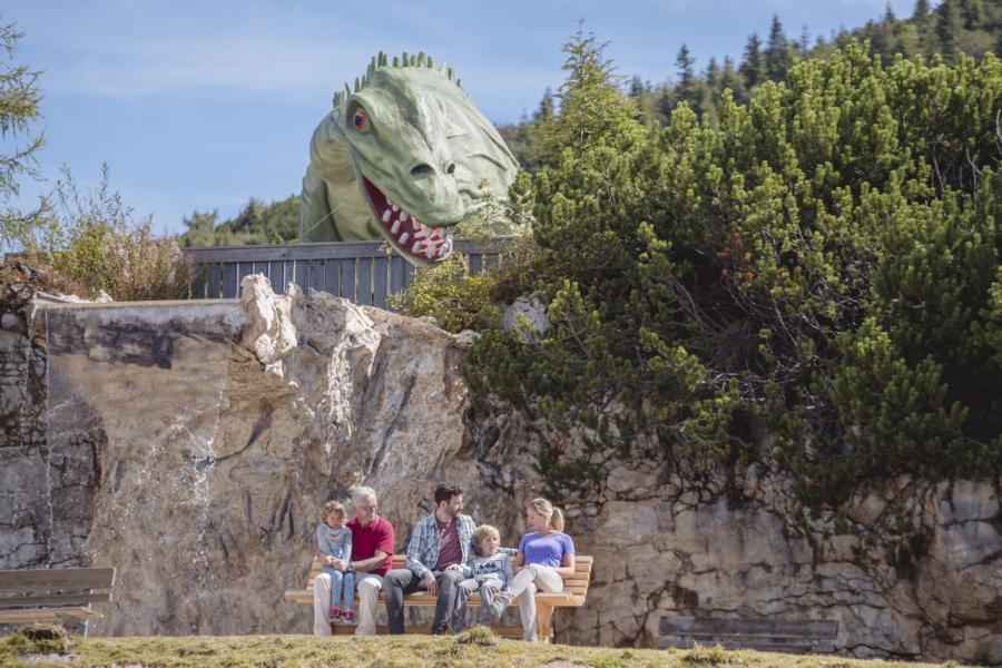 © defrancesco - Tropfsteinhöhle im Triassic Park im PillerseeTal
