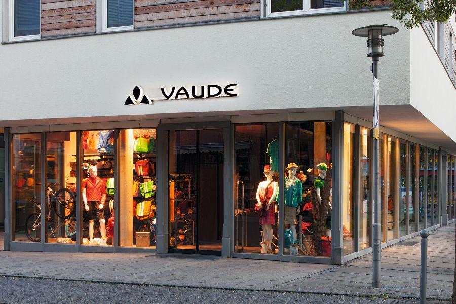 (c) Vaude