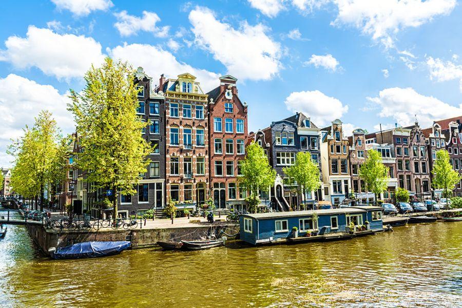 (c)ergo Reiseversicherung - Tipps für Urlaub auf dem Hausboot