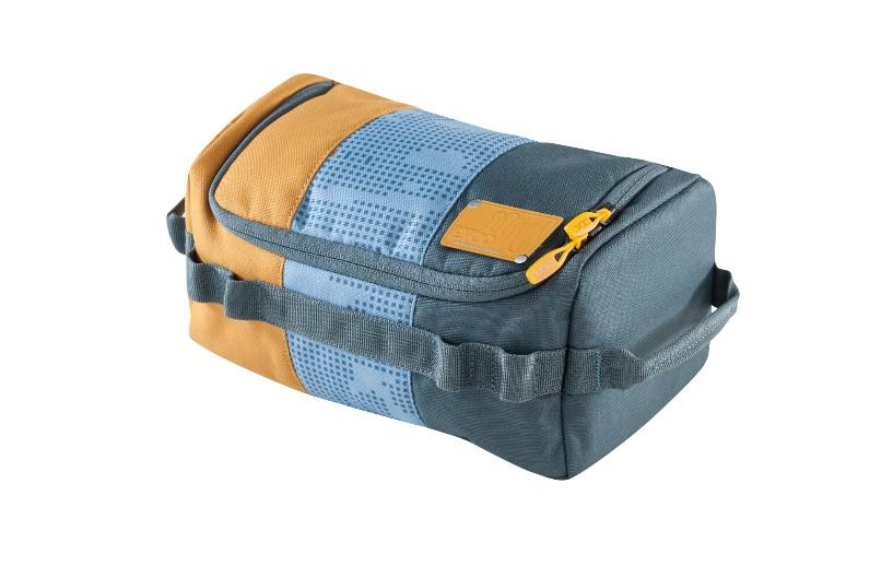 (c)Evoc Wash Bag