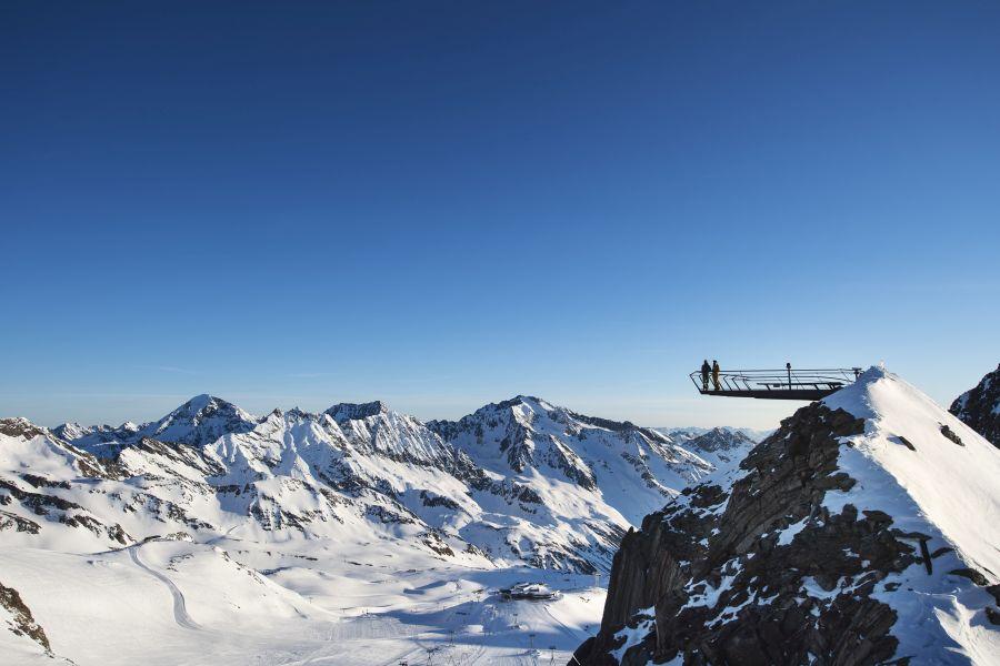 (c)Andre Schoenherr Gipfelplattform Stubaier Gletscher