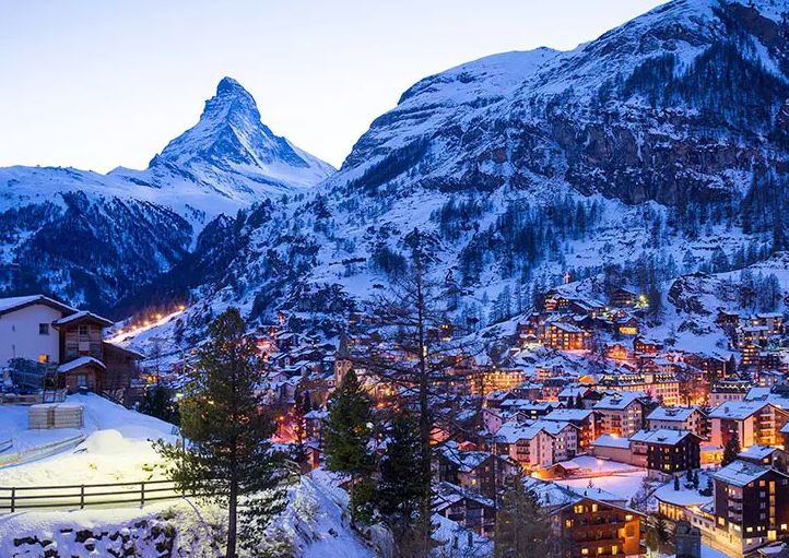 (c)Hotel Zermatt