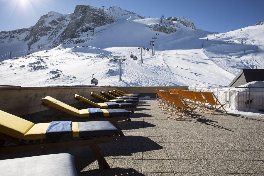 (c)Hintertuxer Gletscherbahnen - Sonnenterrasse