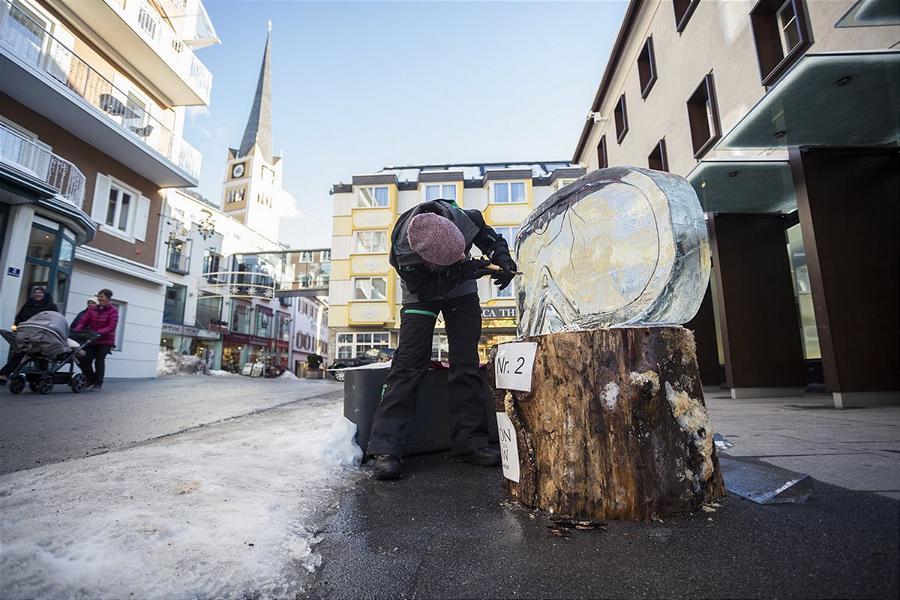 (c)Art on Snow Eischnitzwettbewerb Bad Hofgastein Gasteinertalt Tourismus GmbH auswegerdaniel