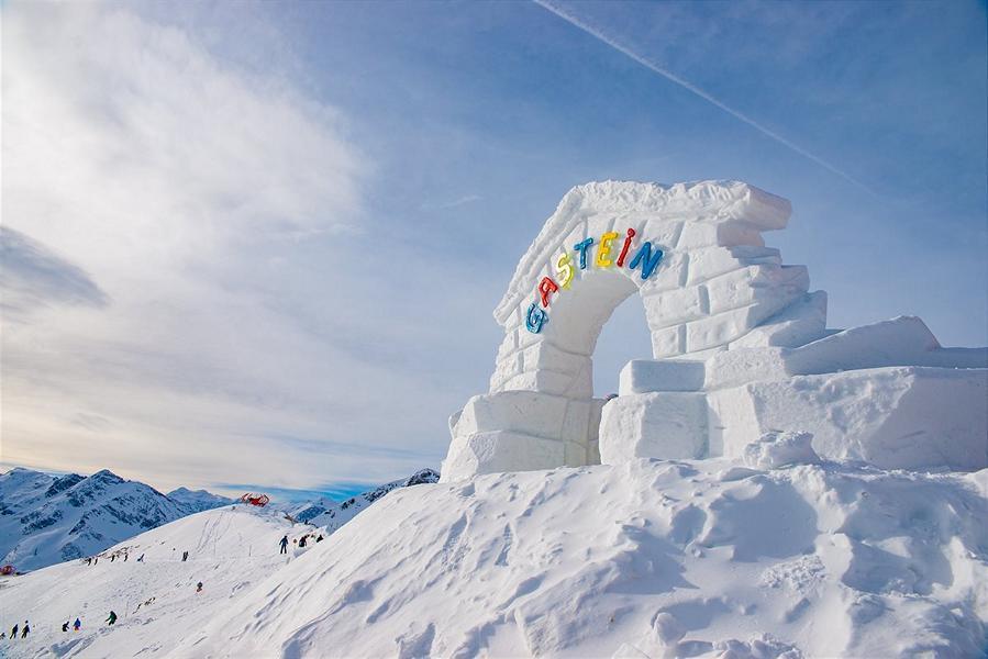 (c)mangotree photography - Art on Snow