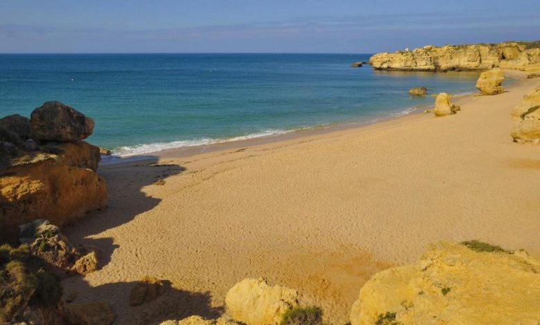 Photo of Lange Sandbänke und stille Buchten – Reisetipp Algarve