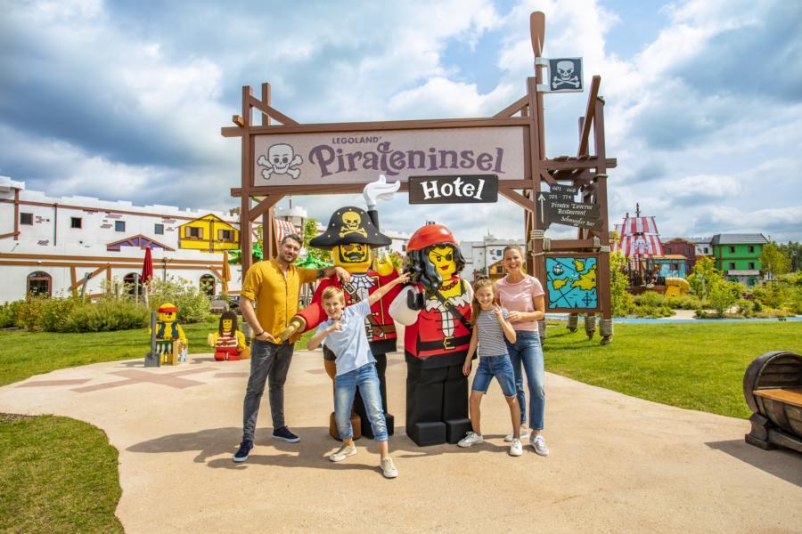 (c)LEGOLAND Feriendorf Pirateninsel Hotel mit Familie